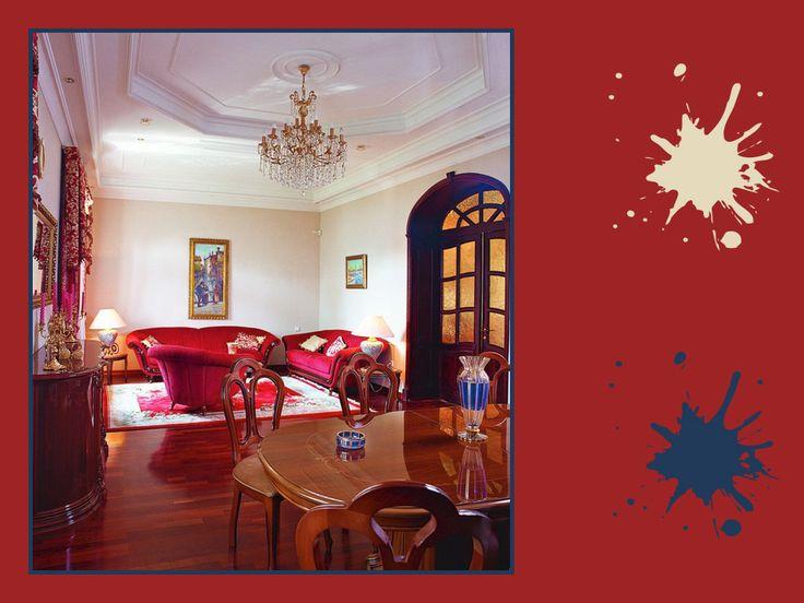 Rubino intenso, crema e blu navy: tavolozza estremamente lussuosa e raffinata, ideale per decorare un atrio imponente o un'elegante sala da pranzo. Che ne dici?  #red #palette #colourfull #diningroom #interiordesign