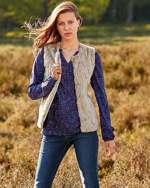 Piękna jesień w stylu BOHO. Ponczo, kurtki, tuniki - wszystko w najmodniejszych kolorach i fasonach! http://www.tchibo.pl/piekna-jesien-jesienna-moda-styl-boho-t400066152.html