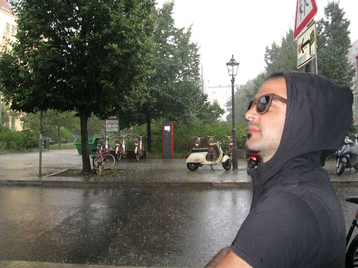 Stelios with his Pride V @ Berlin with a summer rain