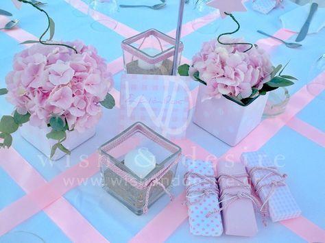 #στολισμος βαπτισης κεντρικη συνθεση τραπεζιου με ροζ ορτανσιες