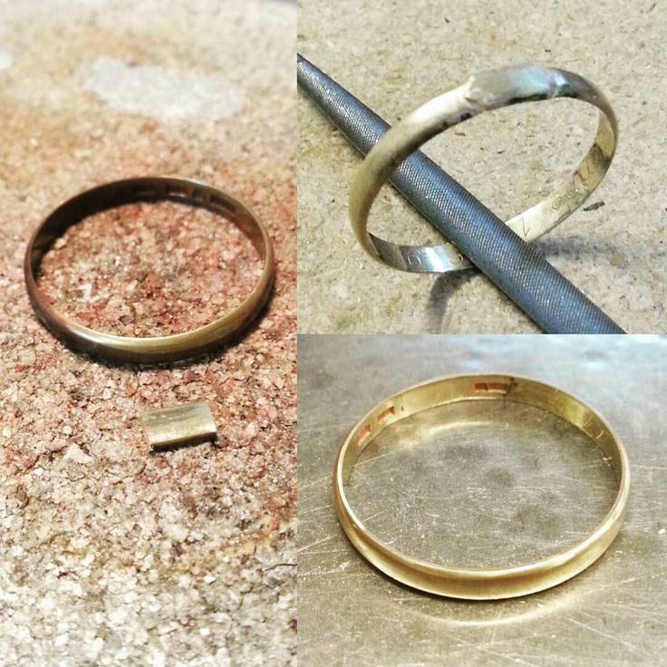 Storleksändring av ring.  Guldbit har infogats genom sågning, lödning och smide.  #angelicamardhdesign #hantverk #guldsmed #guldsmide #goldsmith #craftmanship #resize #storleksändring #förhand #byhand