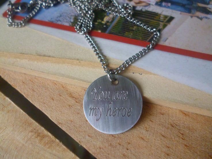 medalla en acero inoxidable con grabado personalizado. COLOMBIA WSP: 321 986 48 38