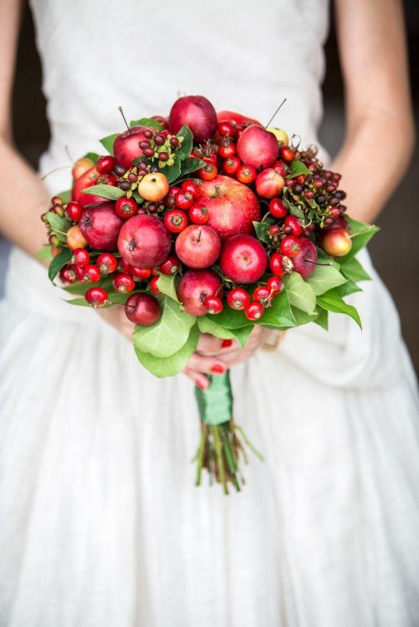 Legume și fructe asortate excepțional în buchetul miresei
