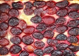 Plum tart with only 2 ingredients