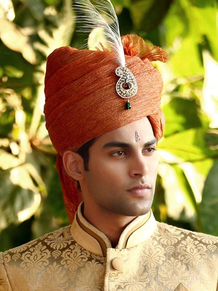 Ultimate Look Groom Turban  Item code : WT9395   http://www.bharatplaza.in/new-arrivals/accessories/ultimate-look-groom-turban-wt9395.html  https://www.facebook.com/bharatplazaindianbridal  https://twitter.com/bharatplaza_in