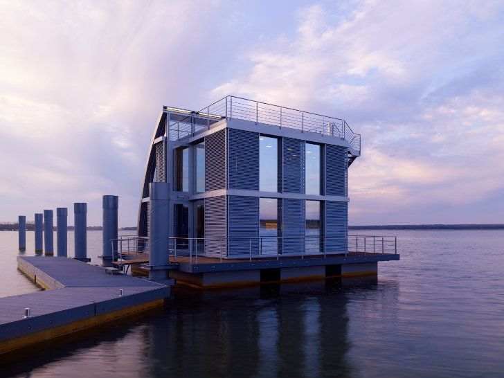 houseboat in Germany
