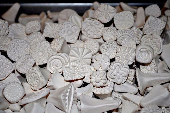 Dieses Angebot gilt für 15 bisqued Keramik-Briefmarken. Die Bearbeitungszeit für diesen Artikel kann ein paar Wochen sein. Benötigen Sie dieses