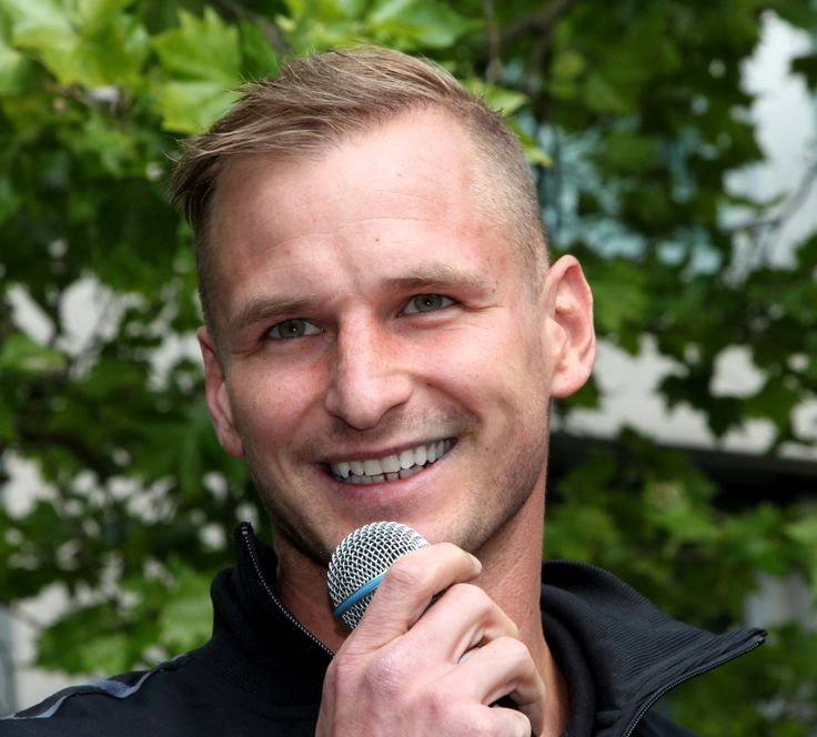 Der HC Erlangen und der slowakische Nationalspieler Martin Stranovsky haben den im Juni 2017 endenden Vertrag um ein weiteres Jahr verlängert. #hjkrieg #hcerlangen #erlangen #erlangen_bilder #hlstudios https://www.hl-studios.de