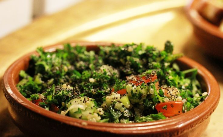 Op De Hippe Vegetariër deelt restaurant Nomads speciaal hun Libanese recept voor vegetarische tabouleh. Lees hier meer over de Libanese keuken!