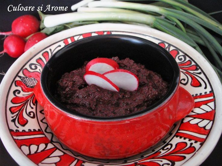 <p>Pasta+de+masline+este+un+preparat+mediteraneean+obtinut+prin+mixarea+in+blender+a+unui+sortiment+sau+mai+multor+de+masline+impreuna+cu+ulei+de+masline,+usturoi,+diferite+condimente.+Desi+puteti+gasi+aceasta+pasta+si+in+market+eu+recomand+prepararea+ei+in+bucataria+proprie+pentru+ca+asa+sunteti+siguri+ca+este+…</p>