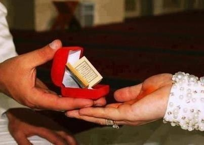 Cutest gift ever seen ... man some guys are so romantic may Allah grant me with a religious and romantic guy :)