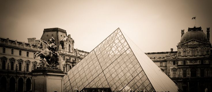 City photography, Louvre Pyramid, Paris