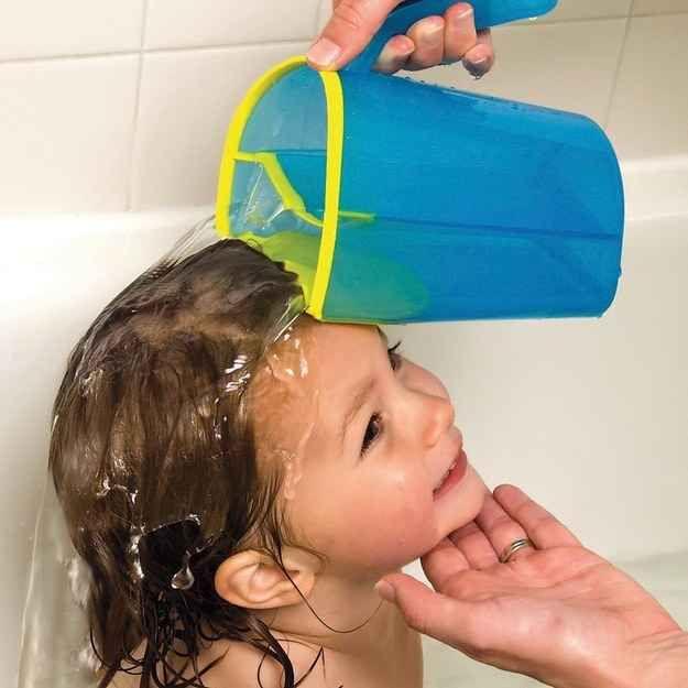 Este enxaguador de xampu tem um acabamento macio e emborrachado que forma um selo à prova d'água contra o couro cabeludo para que a água e a...