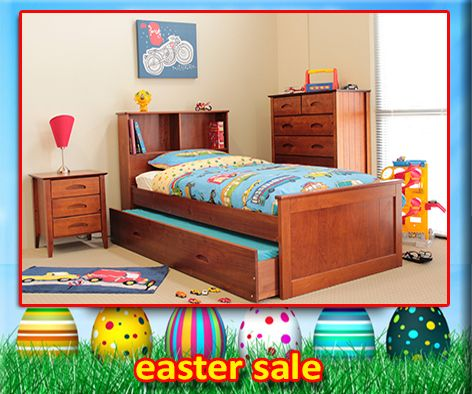 Single & King Single Buderim Trundle Bed Pecan features a built-in bookcase headboard, the Buderim is a space saving alternative to a standard king single bed. The bookcase can be used for a night light, teddy shelf or to hold a favourite bed time story