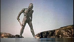 93 - CRETA 11 - Talos era un gigante de bronce que defendía la isla de cualquier amenaza.