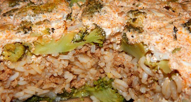 Rakott brokkoli recept: Minden rakott étel jöhet, egyiket jobban szeretjük, mint a másikat, ebben a rakott brokkoli receptben azt szeretem, hogy a nem túl brokkoli barát fiaim is megeszik, sőt a végén azt mondják, nagyon finom volt.