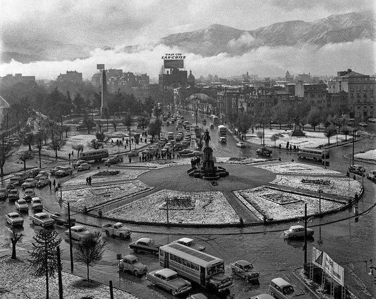 Santiago, Plaza Italia nevada en Junio de 1967.