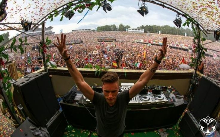 Thank you @tomorrowland!!!! http://t.co/ZWh9KTILsi Via Tomorrowland Radio at http://tomorrowlandradio.com