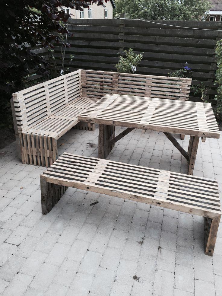 Wir produzieren diese Möbel nach Kundenwunsch in verschiedene Länge und Breite. Wenn Sie fragen haben stehen wir gerne zur Verfügung. kevin@trallerfabrik.dk  #traller Havemøbelsæt