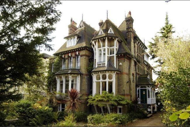 victorian mansion | Se vende mansión victoriana en Londres. Con jardín, once dormitorios ...