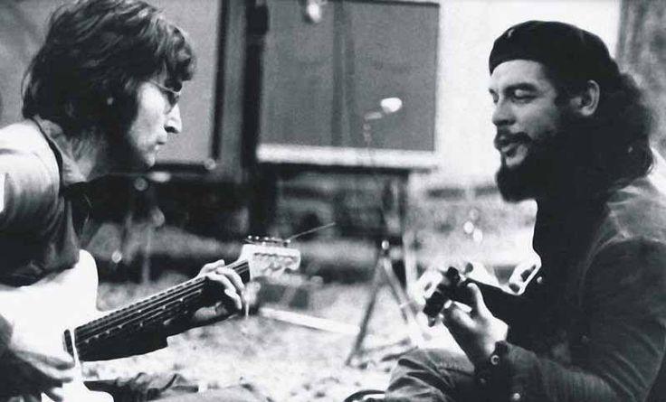 """John Lennon y Ernesto Che Guevara, 1966. La foto imposible de Ernesto Che Guevara y John Lennon logra que el mundo """"imagine"""" todavía causas justas con nuevos amaneceres."""