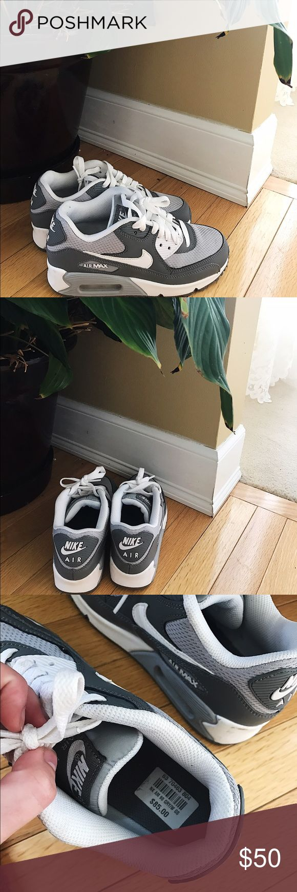 Grey & White Nike Air Max Grey & White Nike Air Max. Worn once. Too small for me. These are a size 4 youth, meaning they will fit size 5.5 or 6 in women's. No signs of wear! Nike Shoes Sneakers