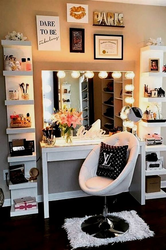Super Cool Makeup Vanity Table with Lights picture 2 #HomeDecorIdeas