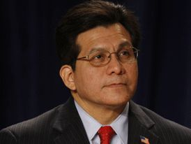 Former Attorney Gen:  Alberto Gonzales: Obama Doesn't Have 'Authority to Amend, Repeal, Suspend the Law' | CNS News