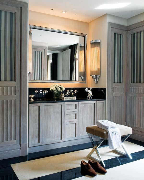 Baño con vestidor... [] More than a walk-in closet