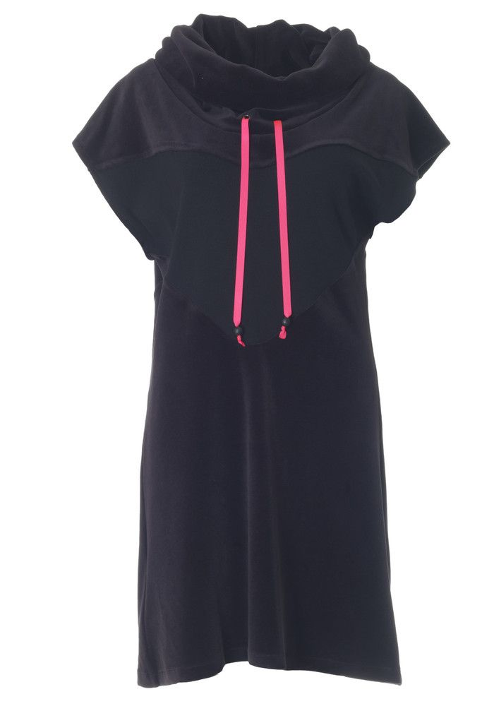This Fabiola dress is perfect for a cold and rainy autumn day. It is made of soft velvet with a neon pink detail.