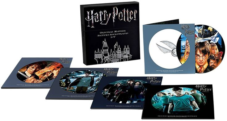 """Das limitierte und umfangreiche """" Harry Potter: I-V Original Motion Picture Soundtrack""""-Deluxe Boxset vereint die Soundtracks der ersten fünf Filme auf 10 Picture-LPs. Jeder Soundtrack kommt im Gatefold (die-cut auf beiden Seiten) und die Cover sind dem jeweiligen Filmen entnommen ('Harry Potter und der Orden des Phönix' beinhaltet zudem ein Etching)."""