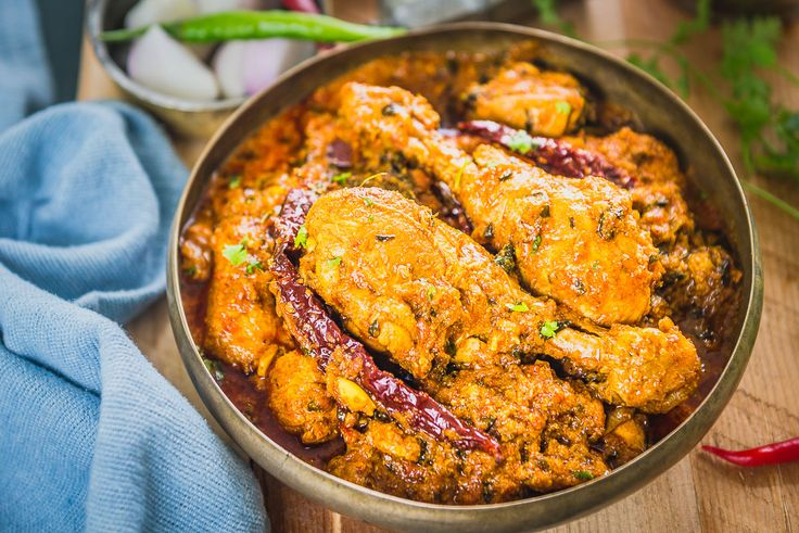 Step By Step Dhaba Style Chicken Curry Recipe. This curry is one of the best among the Indian Chicken Recipes and tastes brilliant with tandoori roti.