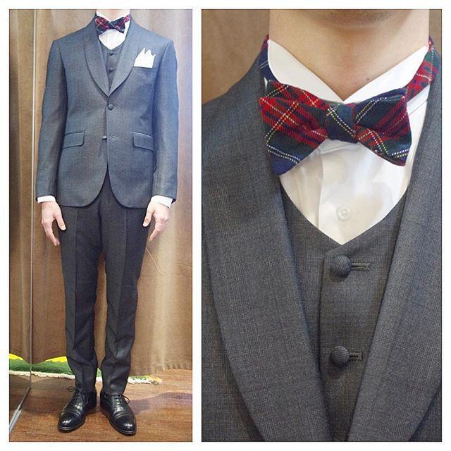 Shawl collar 3piece suit.  ショールカラースリーピース。  ラウンドネックベストにラウンドカラーの立ち衿シャツ。  オーダーメイド製品はlifestyleorderへ。  all made in JAPAN  素敵な結婚式の写真を@lso_wdにアップしました。  wedding photo…@lso_wd womens...@lso_andc  #ライフスタイルオーダー#オーダースーツ目黒#結婚式#カジュアルウエディング#ナチュラルウエディング#レストランウエディング#結婚準備#新郎衣装#新郎#プレ花嫁#蝶ネクタイ#メンズファッション#ショールカラー#クリスマス  #lifestyleorder#japan#meguro#photooftheday#instagood#wedding#tailor#snap#mensfashion#menswear#follow#ootd#bowtie#christmas#party