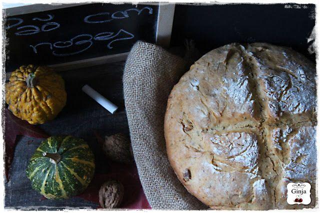 As várias faces da Ginja: Pão com nozes no pyrex