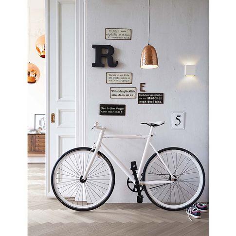 """Ein Singlespeed-Fixie der Extraklasse, kompromisslos, edel, puristisch: Fahrrad """"Viktor"""" in stylischem Weiß."""