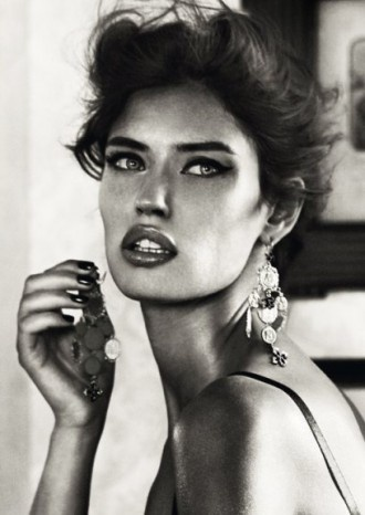 Bianca-Balti-for-Dolce-Gabbana-Jewelry-2011-Ad-Campaign