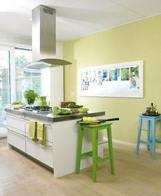 Een fris groene kleur van Wijzonol in de keuken! #verf #groen #green