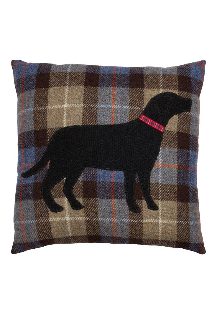 Harris Tweed Labrador cushion with a feather filled pad.  Made in Scotland.
