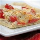 Yummy chicken pizza my kids will love... Might play with the recipe a little to make with a few more veggies!!
