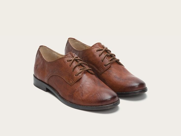 Beautiful brown Oxfords    FRYE   Anna Oxford I love these except in black