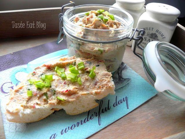Taste Eat: Delikatna pasta z makreli z jajkiem i suszonymi po...