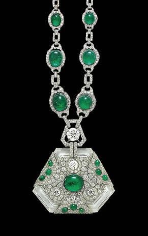 Emerald necklace & pendant that belonged to Maharani Prem Kumari, wife of the Maharaja of Kapurthala. 1910: Emeralds, Emerald Necklace, Crown Jewels, Antique Jewelry, Necklaces, Art Deco, Royal Jewels