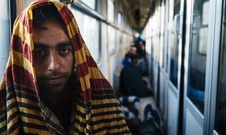Profughi stipati uno sull'altro sui treni ungheresi: indignazione che grida, ma fa solo quello   GaiaItalia.com
