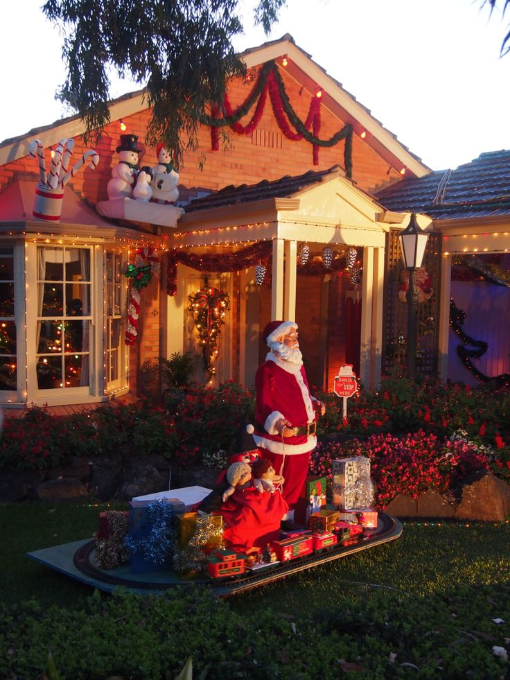 Awesome Christmas front yard decorations