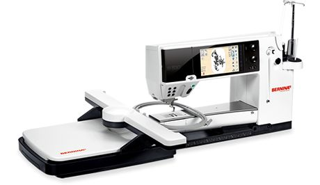 The BERNINA 830: Maximum comfort, optimum handling and a long list of functions: a masterpiece of Swiss precision.