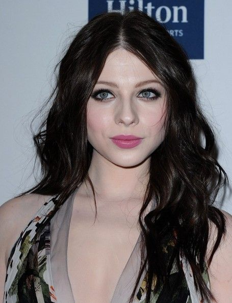 Michelle Trachtenberg Photos - Michelle Trachtenberg in Green Jeans - Zimbio