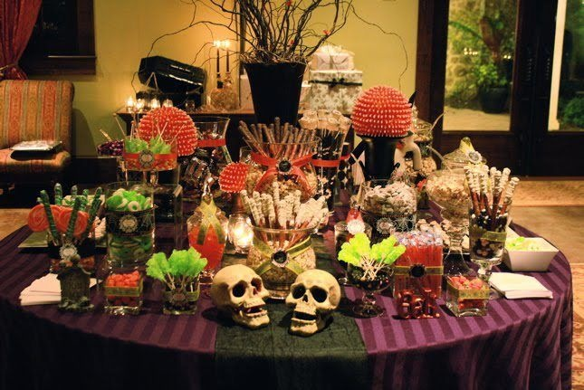 Halloween wedding reception idea hallowedding for Candy bar for weddings receptions