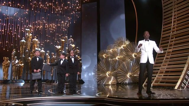 Chris Rock bringing out the accountants from PricewaterhouseCoopers. #oscars