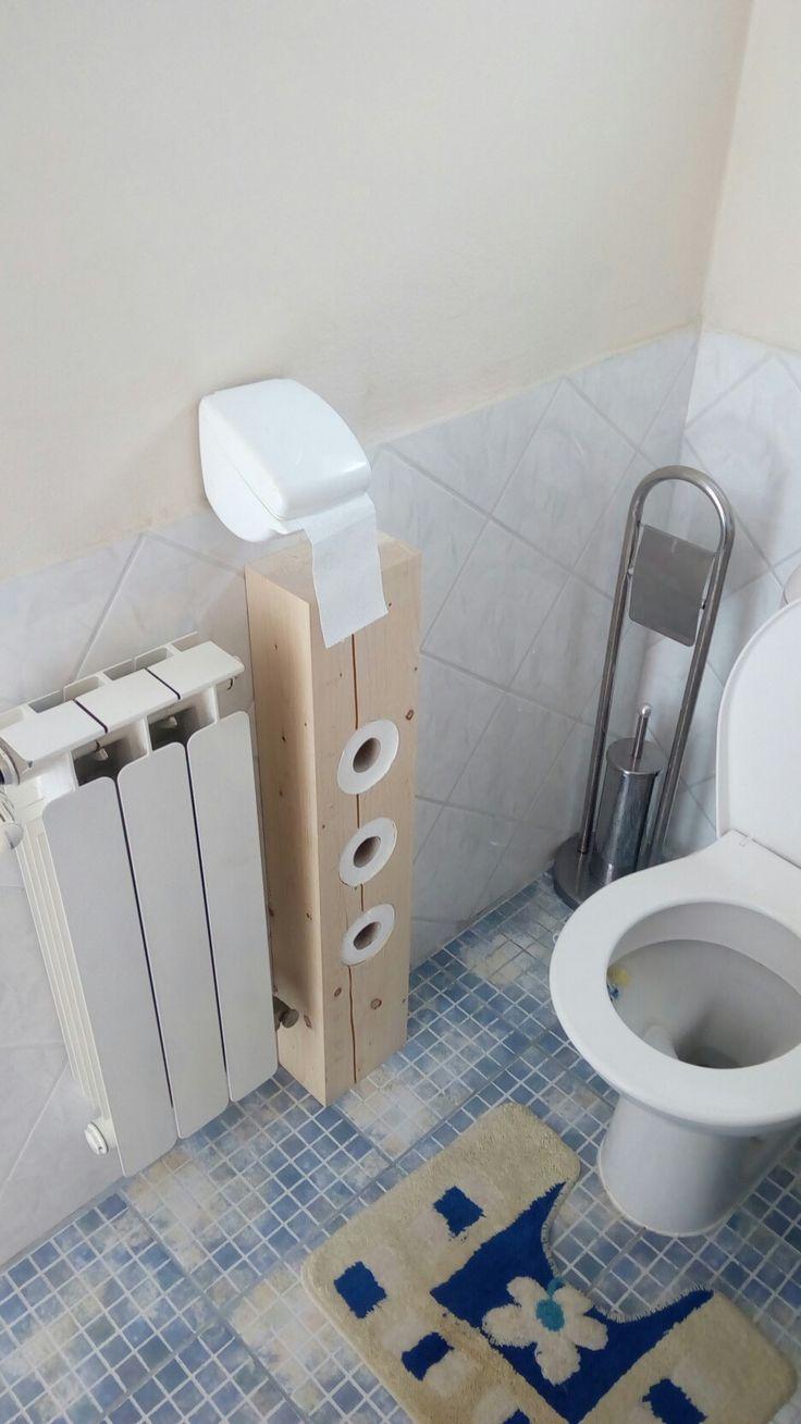 Stojan na toaletní papír