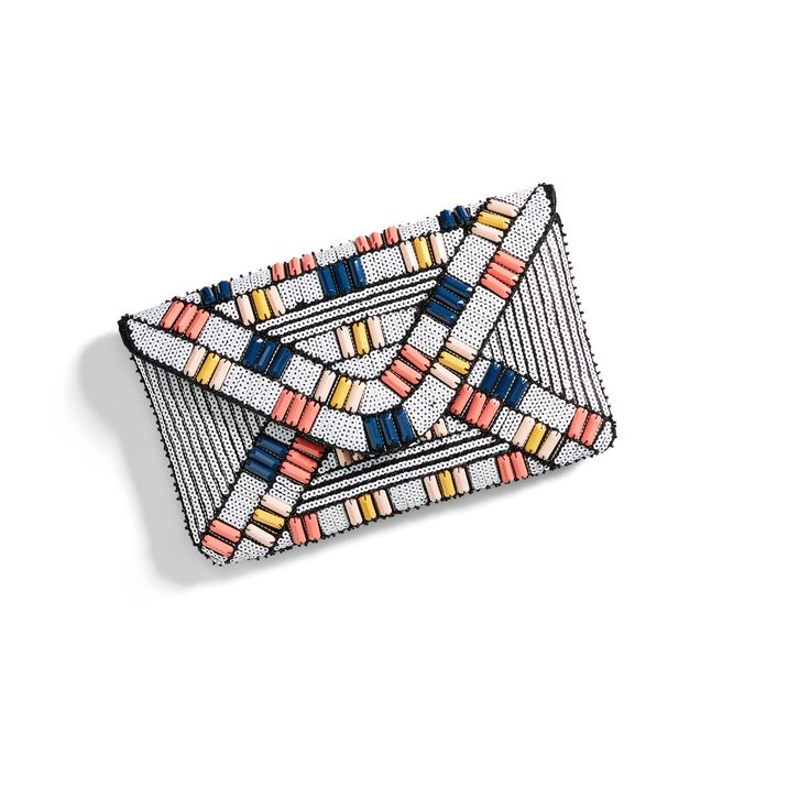 Perfect little beaded Aztec clutch for summer from Stitch Fix 2017. #affiliate   www.mamabearmartin.com